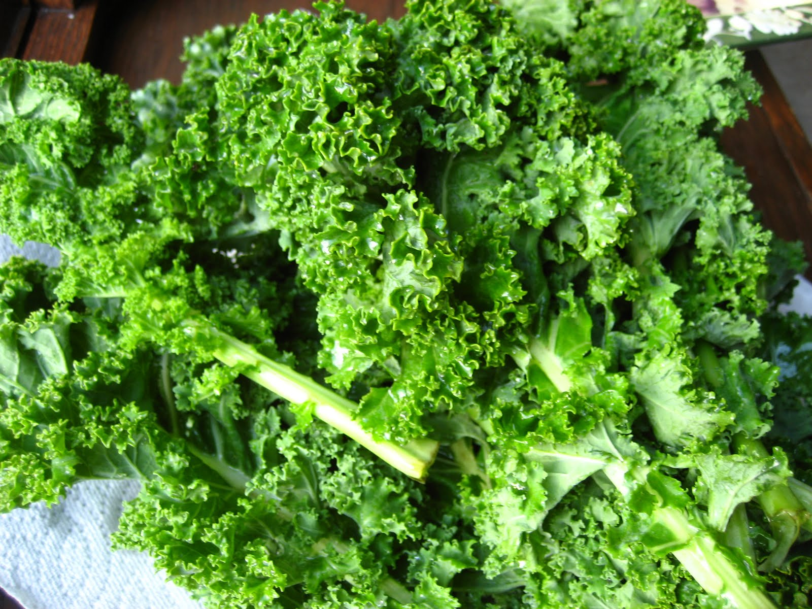 What's the Best Juicer for Leafy Greens of 2014?